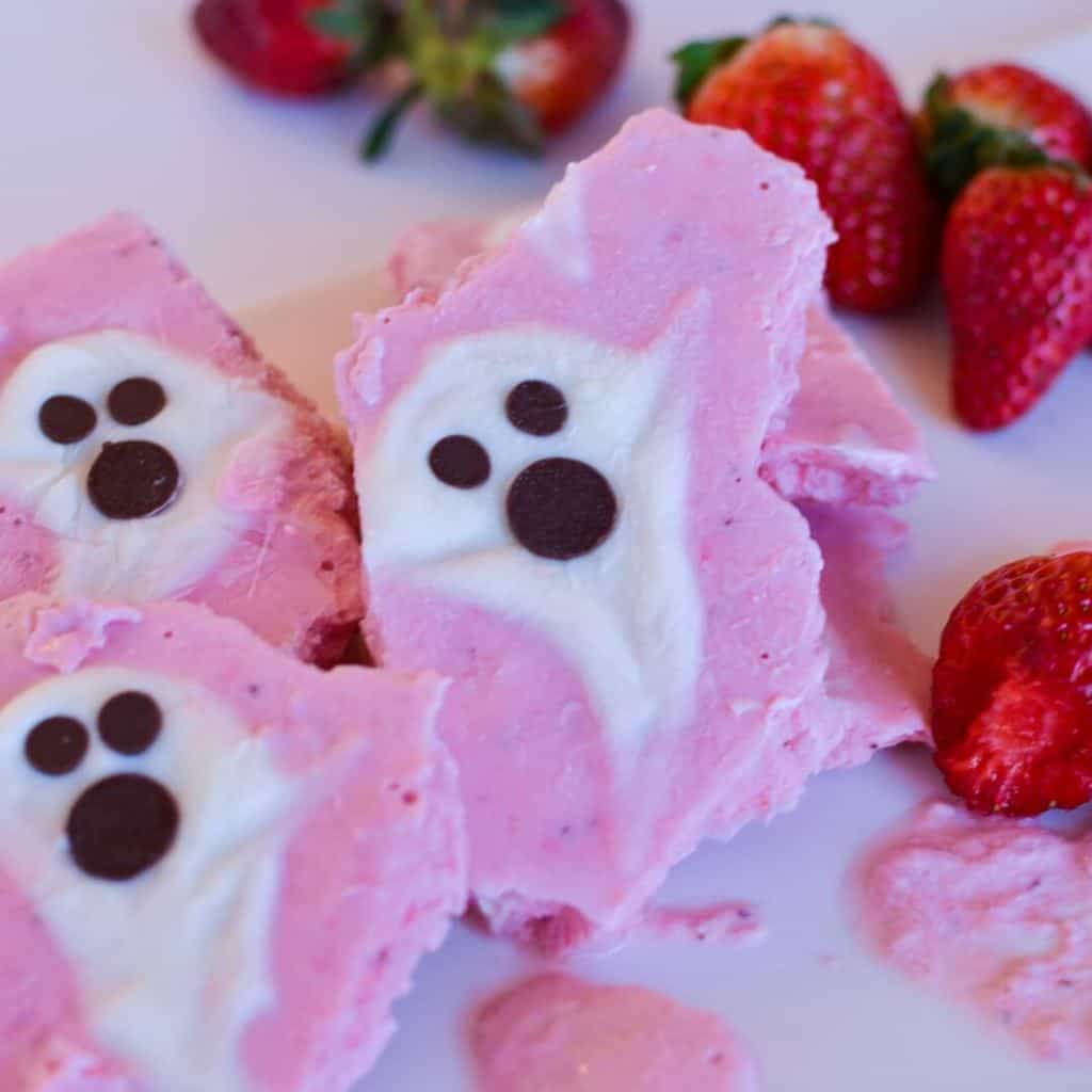 A Healthy Halloween Treat. How to make spooky strawberry frozen yoghurt bark.