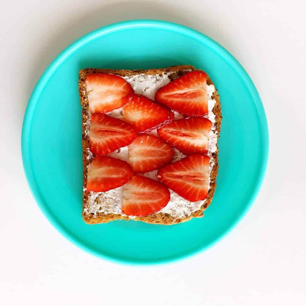 Healthy toast topping ideas for children, strawberry and cottage cheese
