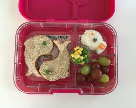 A Simple Ocean Themed School Lunch Box