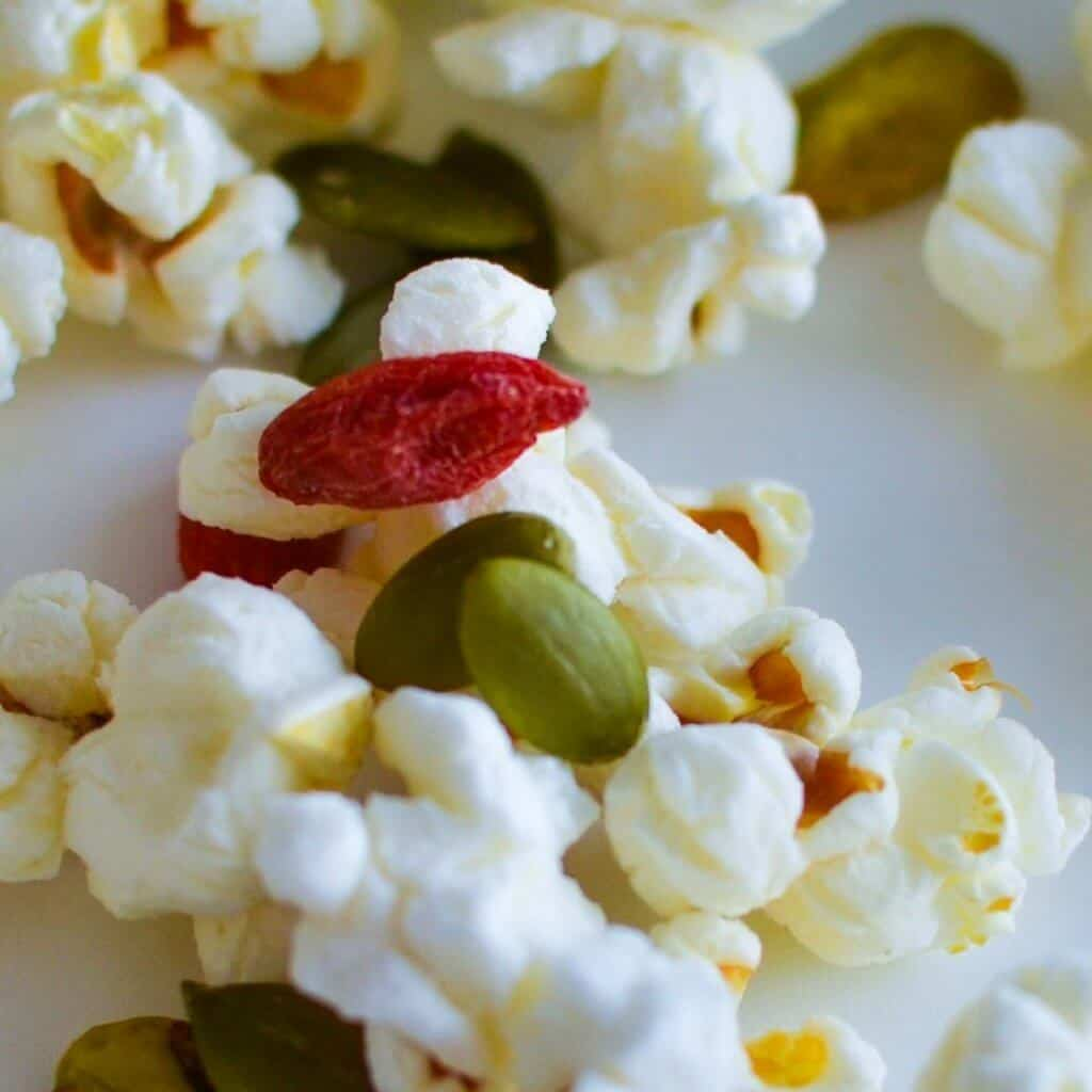 A recipe for Heathy Christmas Popcorn. Full of fun but not the sugar for your kids