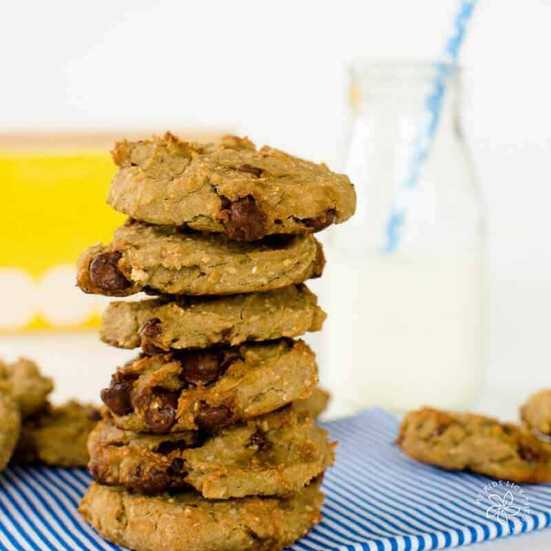healthy chocolate chip cookies, chewy chickpea cookies recipe, low sugar, easy to make with banana and oats