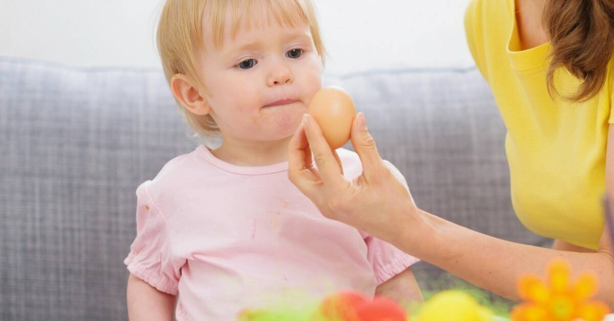 Starting solids for your baby is excting, some parents become nervous around baby allergy foods and when to introduce them. This article provides tips and the current international guidelines