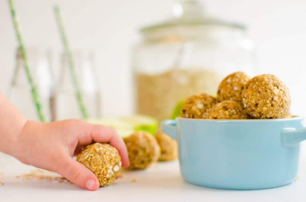 no-cook healthy apple oat bites