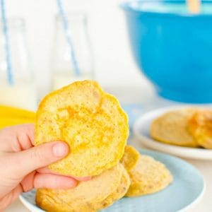 Banana Oat Pikelets for kids and babies Sugar free snack. Mini Pancakes Perfect finger food sweetened only with fresh fruit