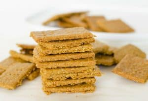 Crispy Crunchy Chickpea and Oat Crackers