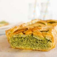 Easy spinach and cottage cheese pie recipe. Only 5 ingredients. Puff pastry. Kid Friendly. Yum!