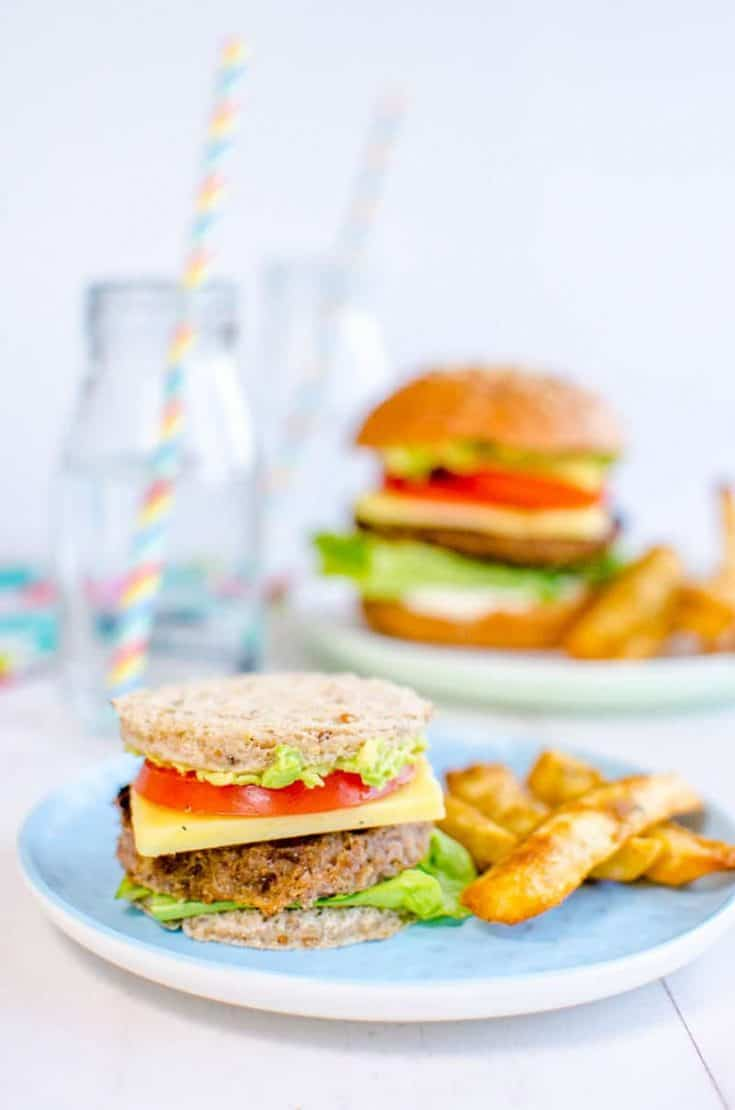 Mini toast burgers for toddlers a kid friendly dinner perfect for picky eaters and baby led weaning ##kidfriendly #familydinner #babyledweaning #burger #kidsfood
