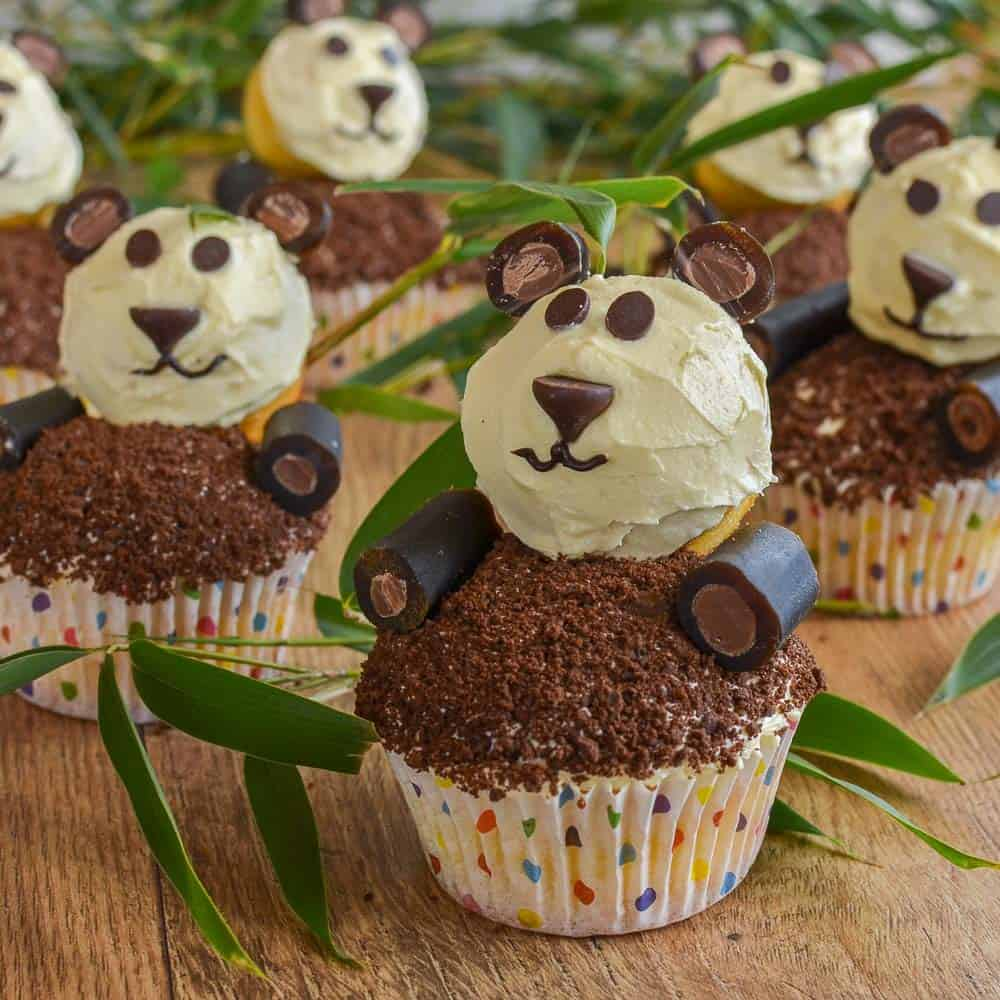 Panda Cupcakes easy to make perfect kid party food, A video tutorial shows how to make these fun panda creations
