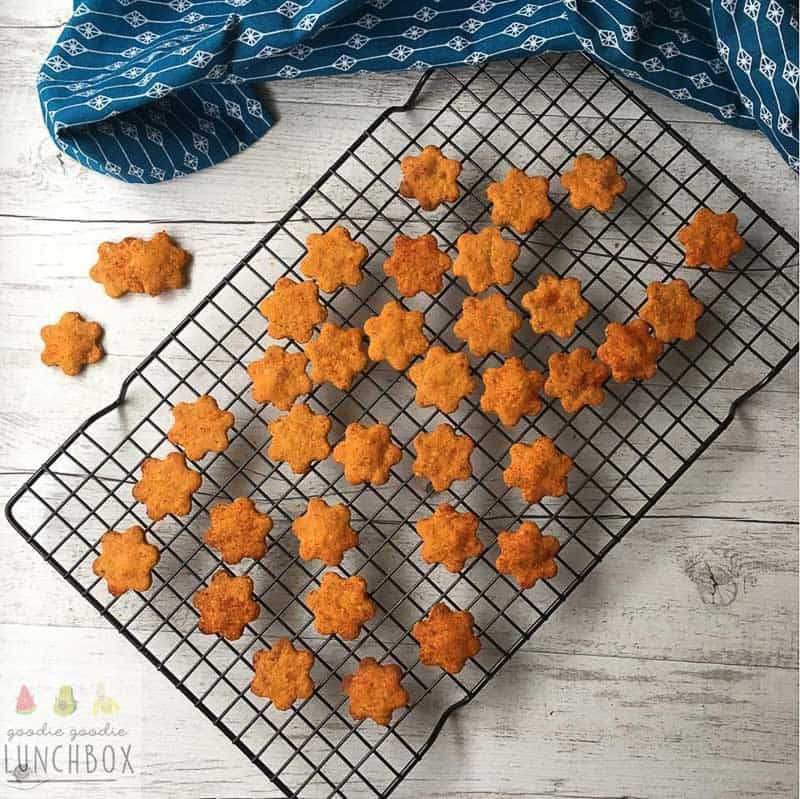 25 healthy homemade cracker recipes suitable for kids and the whole family BBQ shapes cia goodie goodie lunchbox