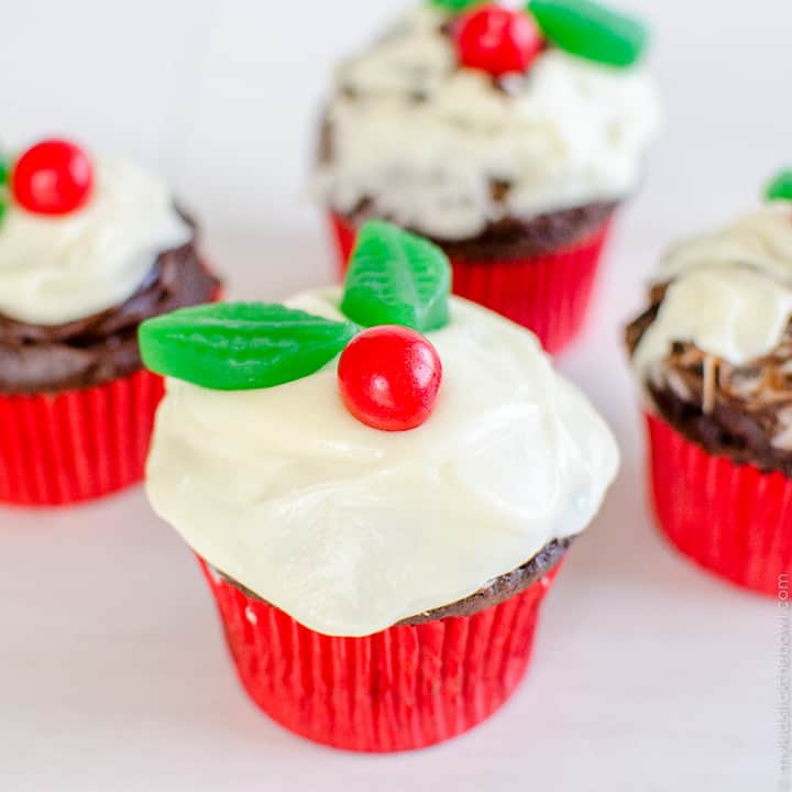 Christmas Pudding Cupcakes an easy festive decorating idea for kids, chocolate cupcakes