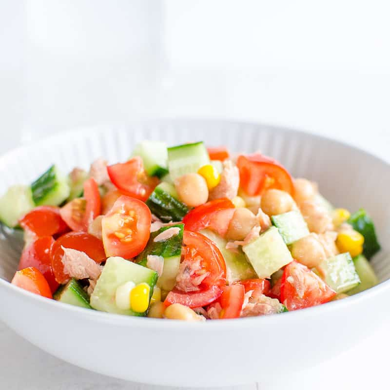5-minute meals chopped chickpea salad with tuna and avocado, a super quick healthy and easy recipe which is ready in 5 minutes, perfect for busy moms