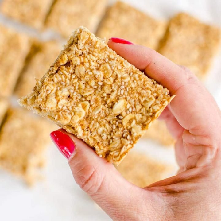 healthy oat bars, apple pie flavour an easy recipe perfect for kids toddlers and baby led weaning