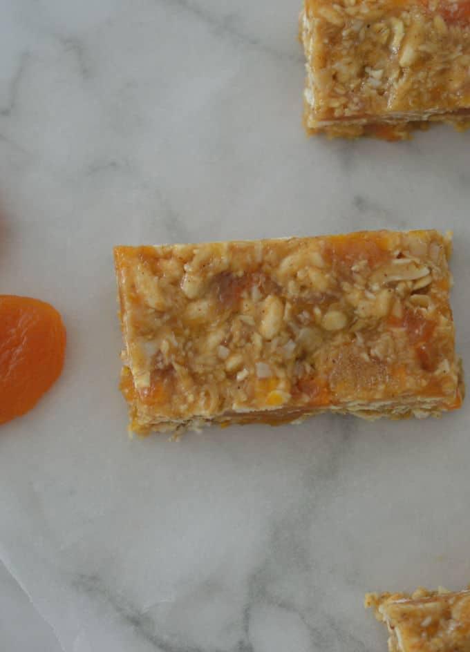 The BEST No Bake Apricot Muesli Bar Recipe!