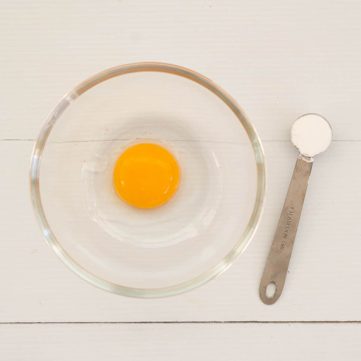 egg yolk and cornflour