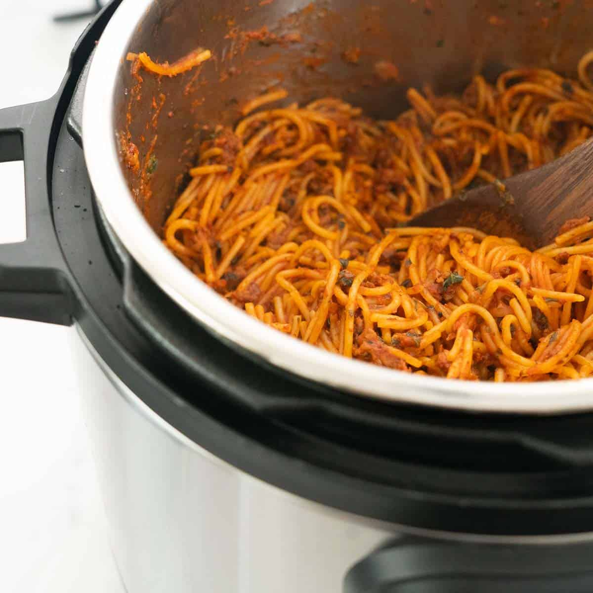 Spaghetti bolognese cooked in an instant pot