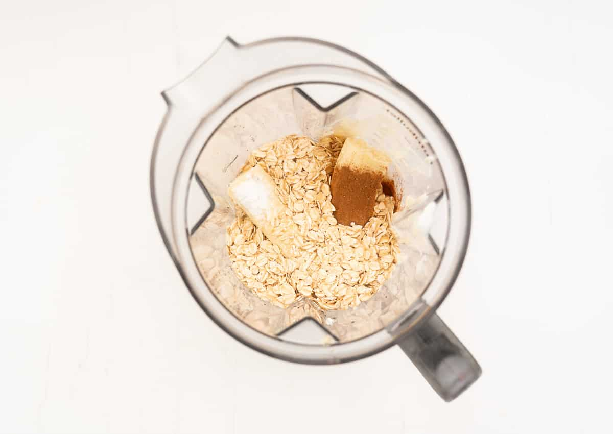 Banana oat pancake ingredients in a blender.